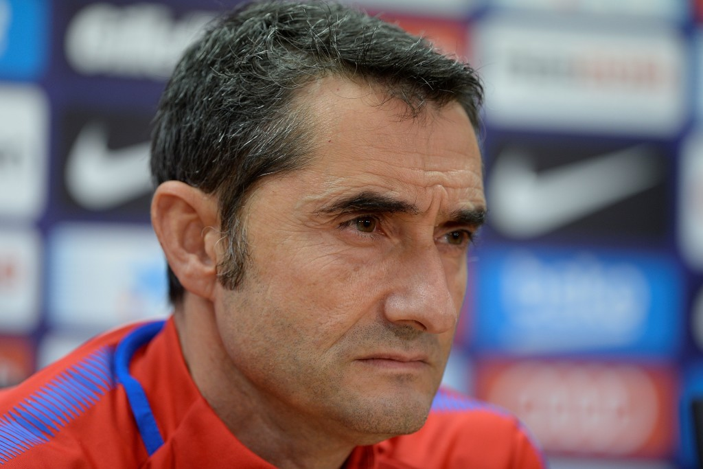 Barcelona's coach Ernesto Valverde holds a press conference at the FC Barcelona Joan Gamper sports centre in Sant Joan Despi near Barcelona on December 9, 2017. / AFP PHOTO / Josep LAGO