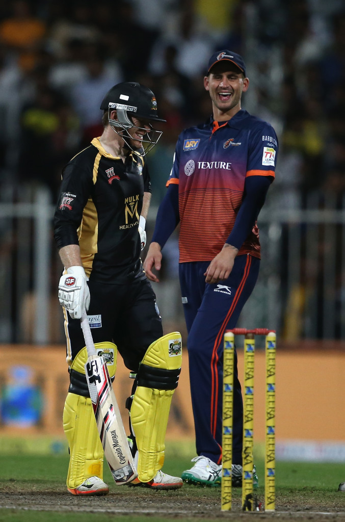 SHARJAH, UNITED ARAB EMIRATES - DECEMBER 17:  Alex Hales of  Maratha Arabians speaks to Eoin Morgan of Kerela Kings during the T10 League semifinal match between Kerela Kings and Maratha Arabians at Sharjah Cricket Stadium on December 17, 2017 in Sharjah, United Arab Emirates.  (Photo by Francois Nel/Getty Images)