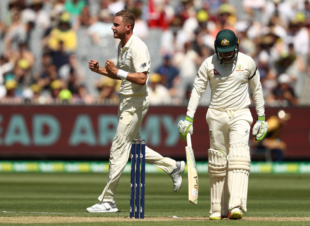 Broad broke his 67-over wicketless drought with Khawaja's dismissal.