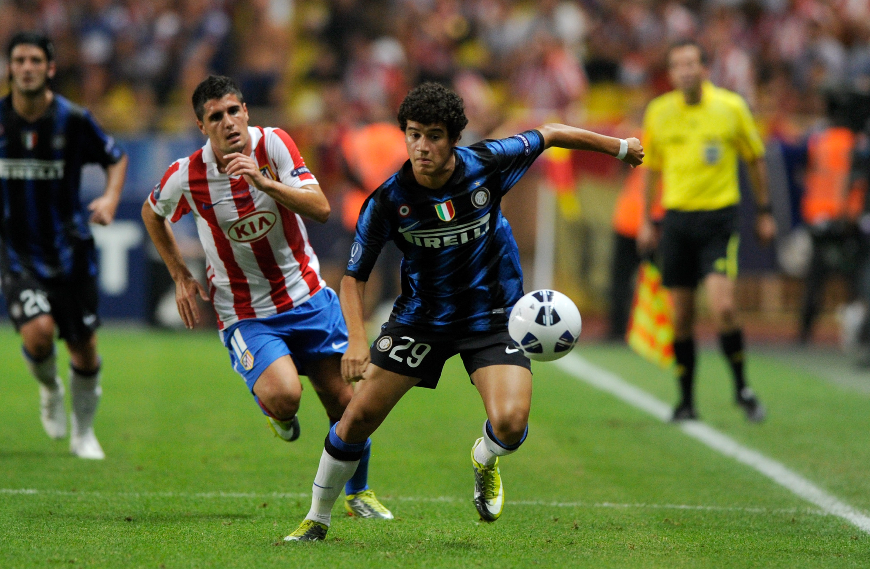 Coutinho in the 2010 UEFA Super Cup (r).