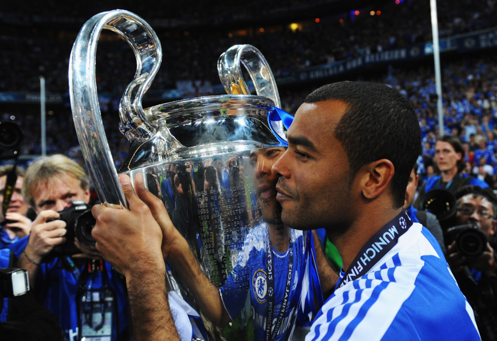 Ashley Cole kisses the Champions League trophy
