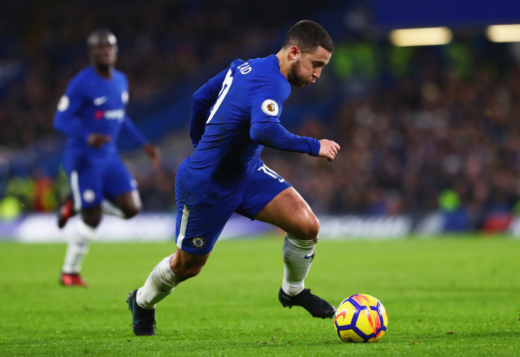 LONDON, ENGLAND - DECEMBER 26: Eden Hazard of Chelsea runs with the ball during the Premier League match between Chelsea and Brighton and Hove Albion at Stamford Bridge on December 26, 2017 in London, England. (Photo by Clive Rose/Getty Images)