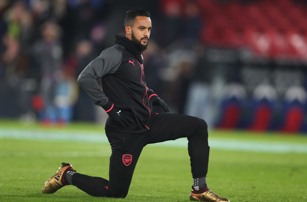 LONDON, ENGLAND - DECEMBER 28: Theo Walcott of Arsenal warms up prior to the Premier League match between Crystal Palace and Arsenal at Selhurst Park on December 28, 2017 in London, England. (Photo by Catherine Ivill/Getty Images)