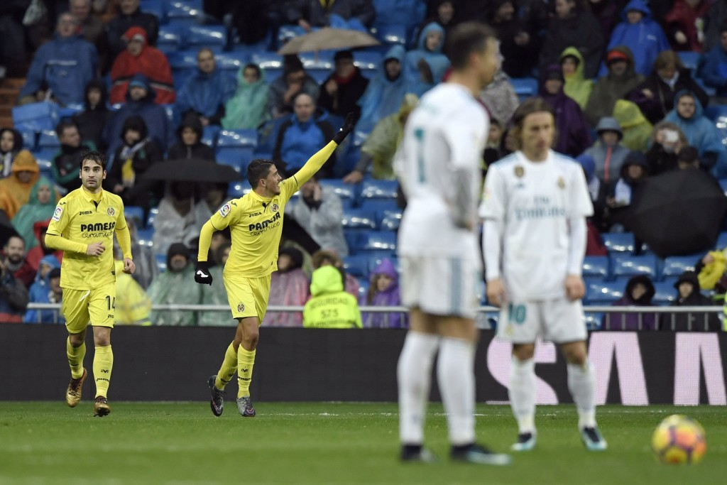 Villarreal's Spanish midfielder Pablo Fornals (C) celebrates after scoring a goal during the Spanish league football match between Real Madrid and Villarreal at the Santiago Bernabeu Stadium in Madrid on January 13, 2018. / AFP PHOTO / GABRIEL BOUYS (Photo credit should read GABRIEL BOUYS/AFP/Getty Images)