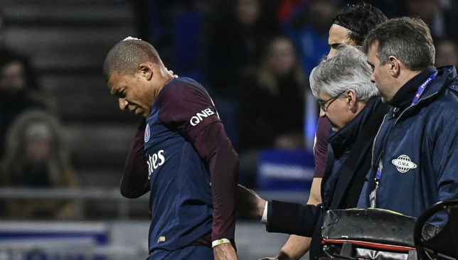 PSG Star Kylian Mbappe Injured in Goalkeeper Collision