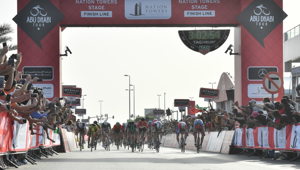The Stage 3 finish at Big Flag was thrilling, with Bauhaus (3rd r) ousting Kittel (r) for victory.