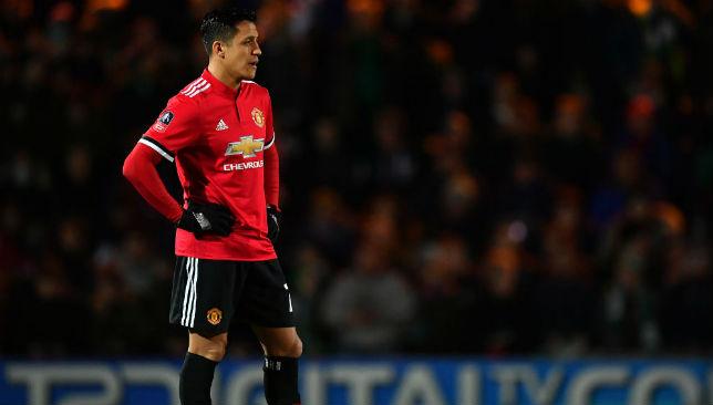 hot sale online bf785 f5079 Alexis Sanchez breaks shirt sales records as Man United ...