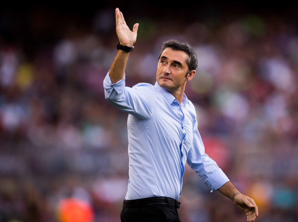 BARCELONA, SPAIN - AUGUST 07: Head coach Ernesto Valverde of FC Barcelona waves to the crowd as he enters the pitch ahead of the Joan Gamper Trophy match between FC Barcelona and Chapecoense at Camp Nou stadium on August 7, 2017 in Barcelona, Spain. (Photo by Alex Caparros/Getty Images)