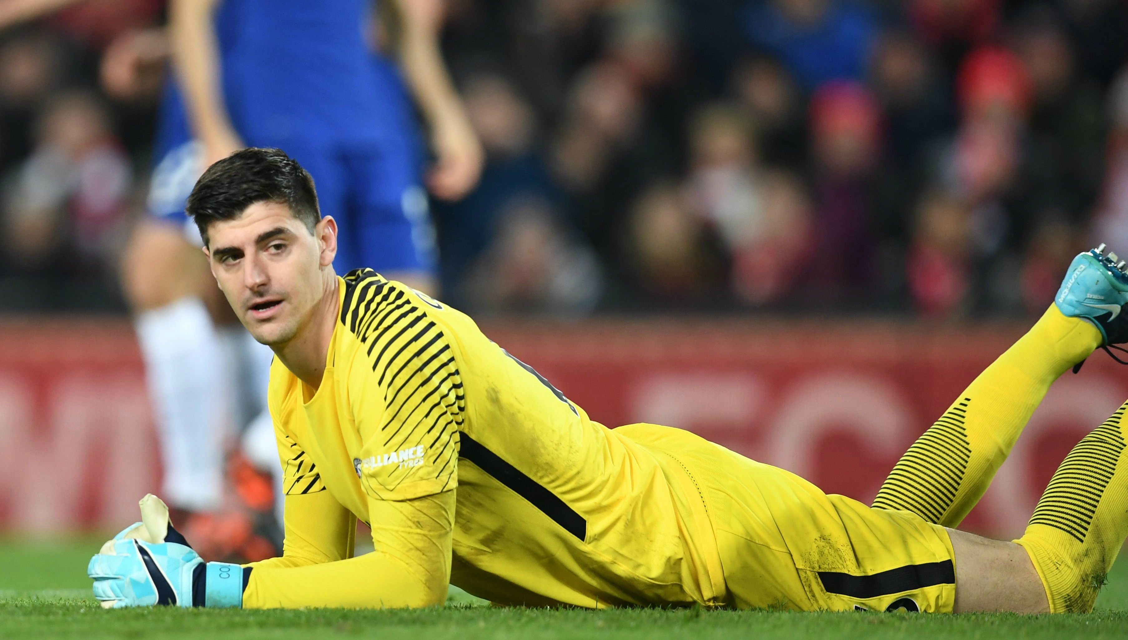 Thibaut Courtois issues come-and-get-me plea to Real Madrid despite Chelsea  contract talks 281602c7f