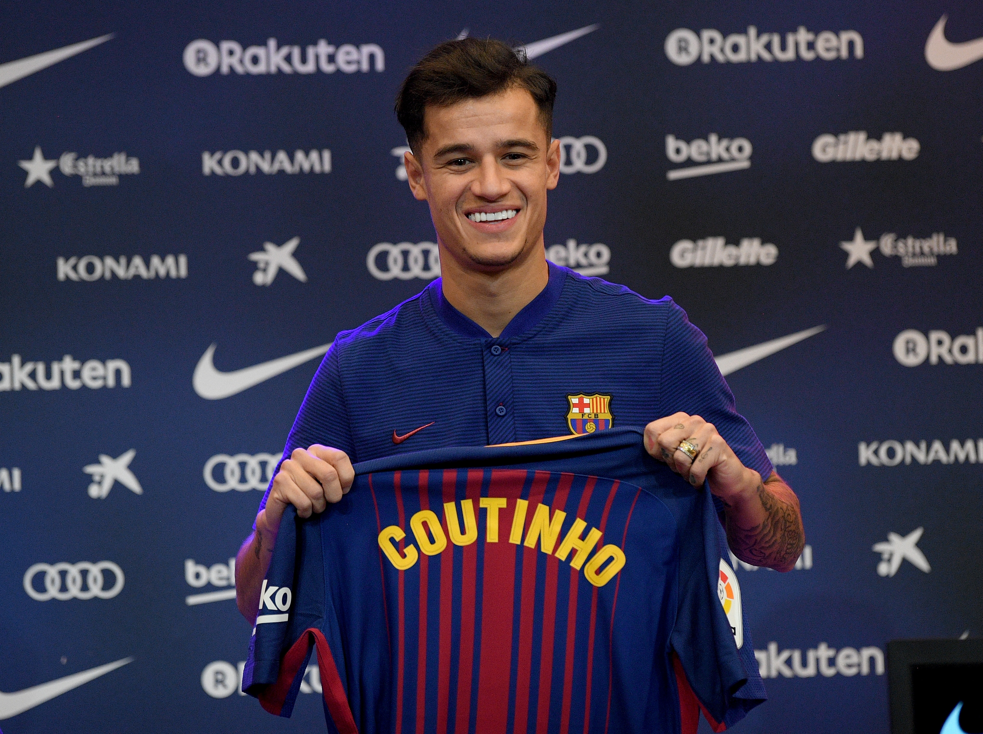 Philippe Coutinho at his Barcelona unveiling.