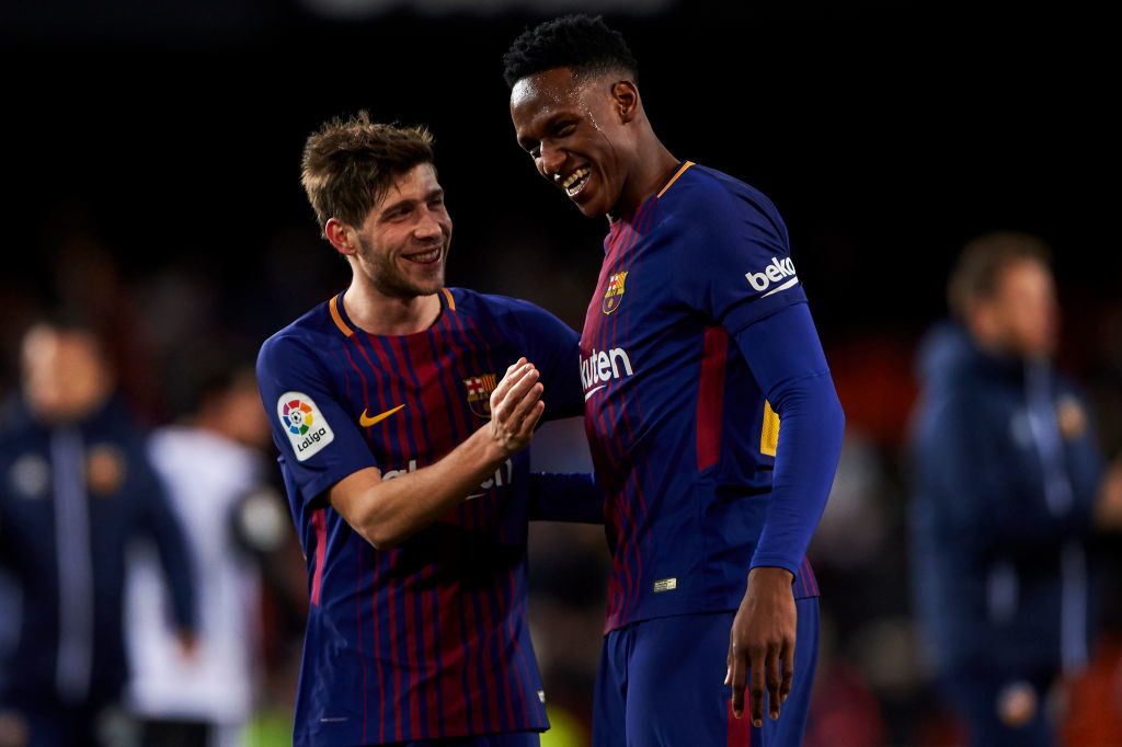 Yerry Mina (R) made his debut against Valencia