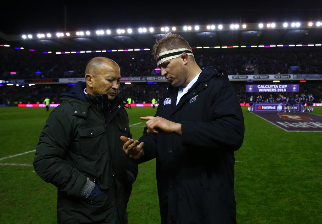EDINBURGH, SCOTLAND - FEBRUARY 24: Eddie Jones, Head Coach of England talks with Dylan Hartley after defeat in the NatWest Six Nations match between Scotland and England at Murrayfield on February 24, 2018 in Edinburgh, Scotland. (Photo by Michael Steele/Getty Images)