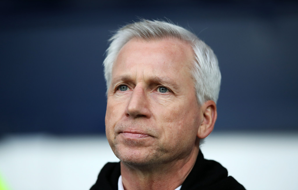 WEST BROMWICH, ENGLAND - FEBRUARY 03: Alan Pardew manager of West Bromwich Albion during the Premier League match between West Bromwich Albion and Southampton at The Hawthorns on February 3, 2018 in West Bromwich, England. (Photo by Lynne Cameron/Getty Images)