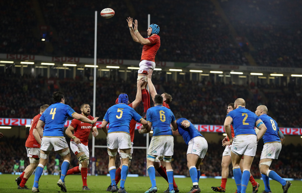CARDIFF, WALES - MARCH 11: Justin Tipuric of Wales wins the lineout during the NatWest Six Nations match between Wales and Italy at the Principality Stadium on March 11, 2018 in Cardiff, Wales. (Photo by David Rogers/Getty Images)