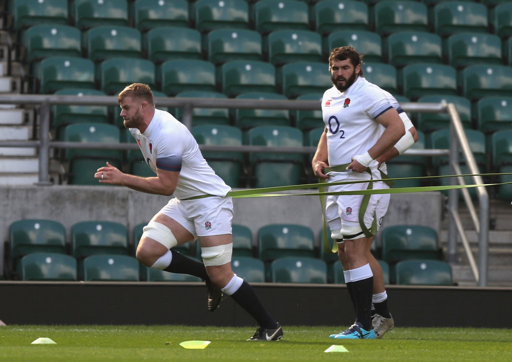 LONDON, ENGLAND - MARCH 16: George Kruis and Don Armand (R) warm up during the England captain's run at Twickenham Stadium on March 16, 2018 in London, England. (Photo by David Rogers/Getty Images)