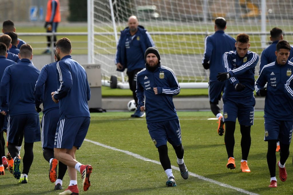 Argentina's forward Lionel Messi takes part in a training session in Madrid on March 25, 2018 ahead of an international friendly football match between Spain and Argentina. / AFP PHOTO / GABRIEL BOUYS (Photo credit should read GABRIEL BOUYS/AFP/Getty Images)