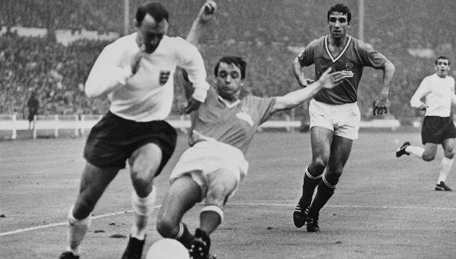 Jimmy Greaves (L)