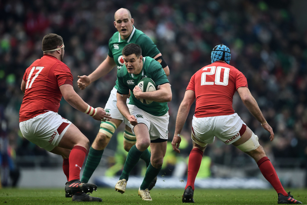 DUBLIN, IRELAND - FEBRUARY 24: Johnny Sexton of Ireland and Wyn Jones and Justin Tipuric of Wales during the Six Nations Championship rugby match between Ireland and Wales at Aviva Stadium on February 24, 2018 in Dublin, Ireland. (Photo by Charles McQuillan/Getty Images)