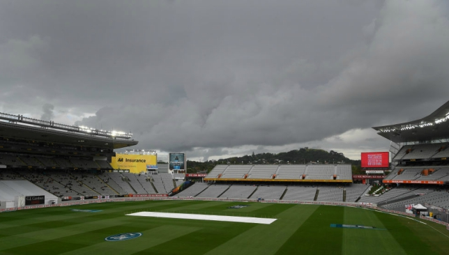 Rain pelts NZ-England day-night Test