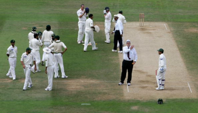 Pakistan were penalised five runs at The Oval.