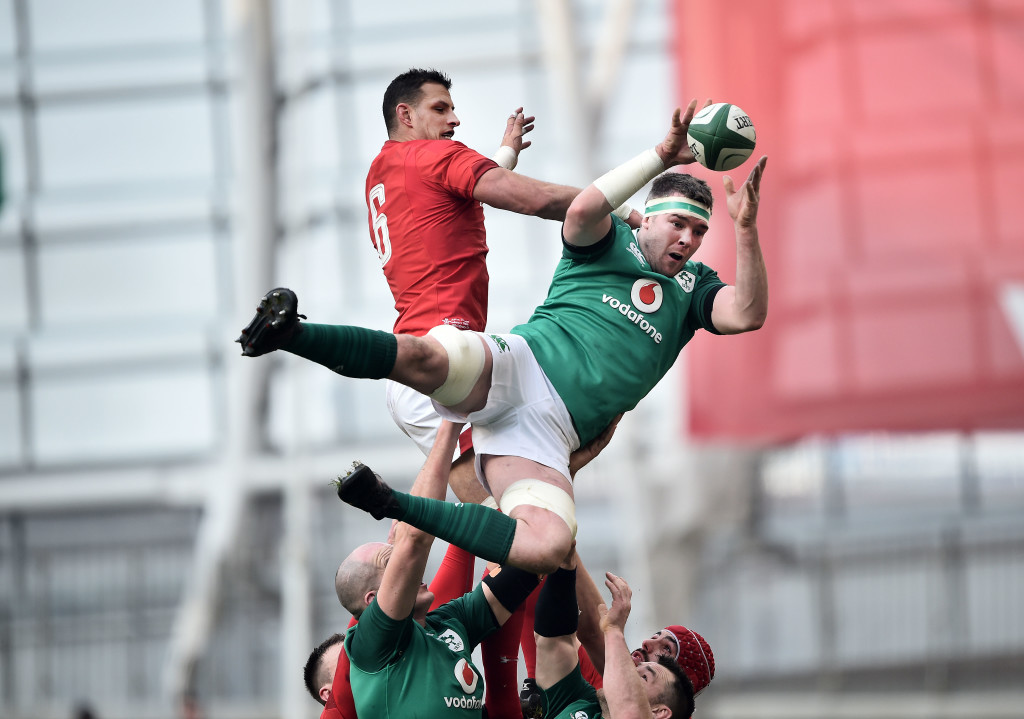 DUBLIN, IRELAND - FEBRUARY 24: Peter O'Mahony of Ireland and Aaron Shingler of Wales during the Six Nations Championship rugby match between Ireland and Wales at Aviva Stadium on February 24, 2018 in Dublin, Ireland. (Photo by Charles McQuillan/Getty Images)
