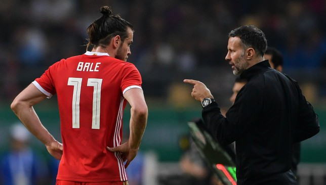 Simon Davies believes Wales boss Ryan Giggs could make Gareth Bale the national team captain.