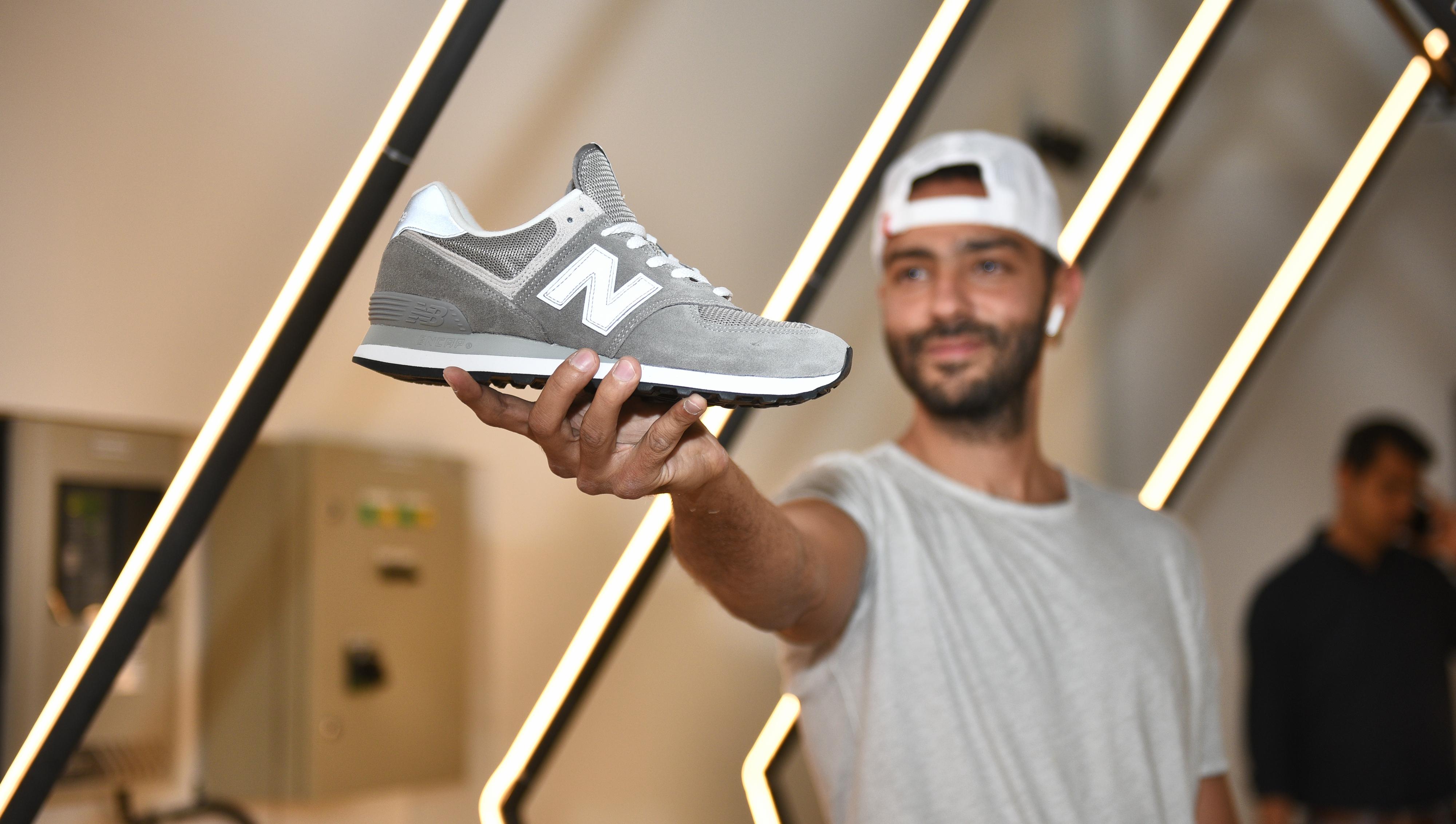 pretty nice 2b7ce 10bfc Sneaker community gathers to celebrate New Balance 'Grey Day ...