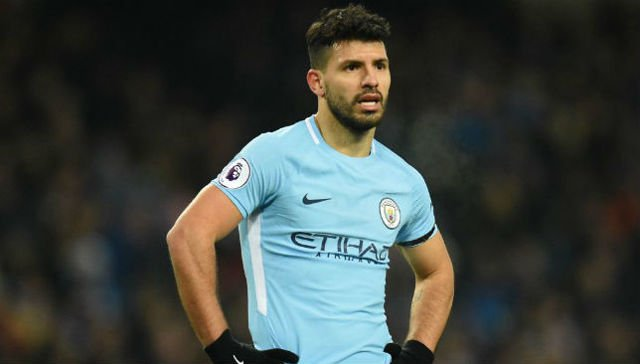 Manchester City striker Sergio Aguero sidelined for two weeks by knee injury