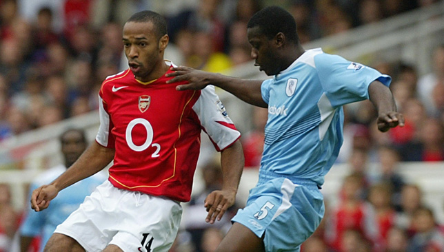 French forward Thierry Henry (L) of Arse