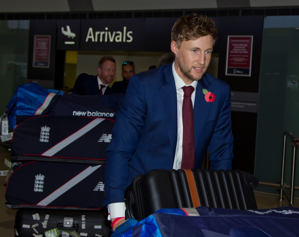 England cricket captain Joe Root arrives for the Ashes cricket Test match series, at Perth Airport on October 29, 2017. / AFP PHOTO / TONY ASHBY / -- IMAGE RESTRICTED TO EDITORIAL USE - STRICTLY NO COMMERCIAL USE -- (Photo credit should read TONY ASHBY/AFP/Getty Images)