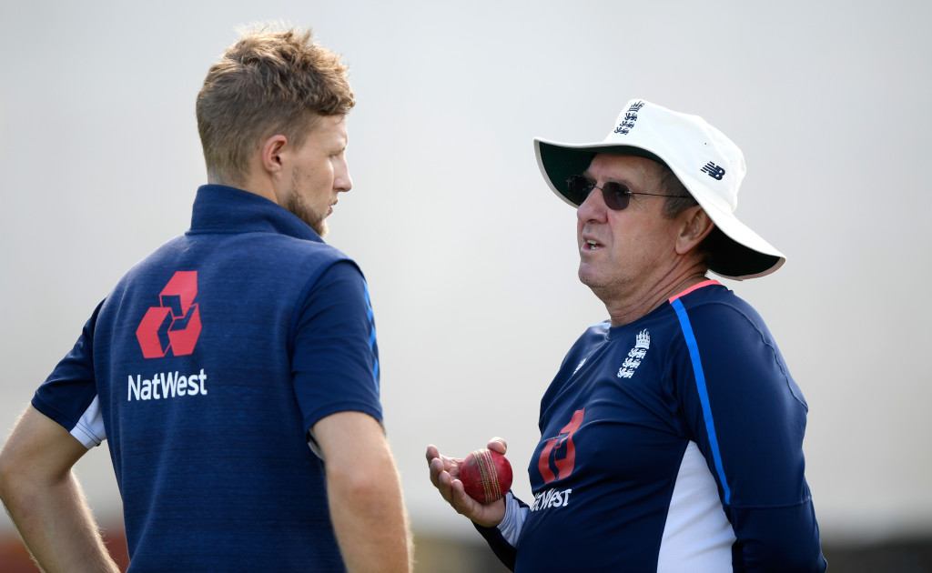 CHRISTCHURCH, NEW ZEALAND - MARCH 28: England captain Joe Root and coach Trevor Bayliss chat during England nets ahead of the second test match against the New Zealand Black Caps at Hagley Oval on March 28, 2018 in Christchurch, New Zealand. (Photo by Stu Forster/Getty Images)