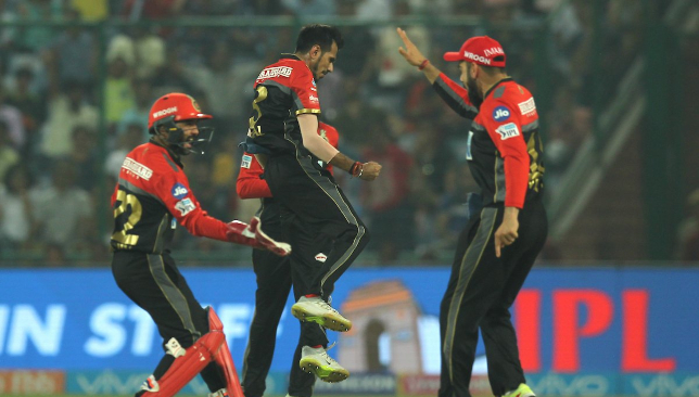 De Villiers, Ali keep RCB's play-offs hopes alive