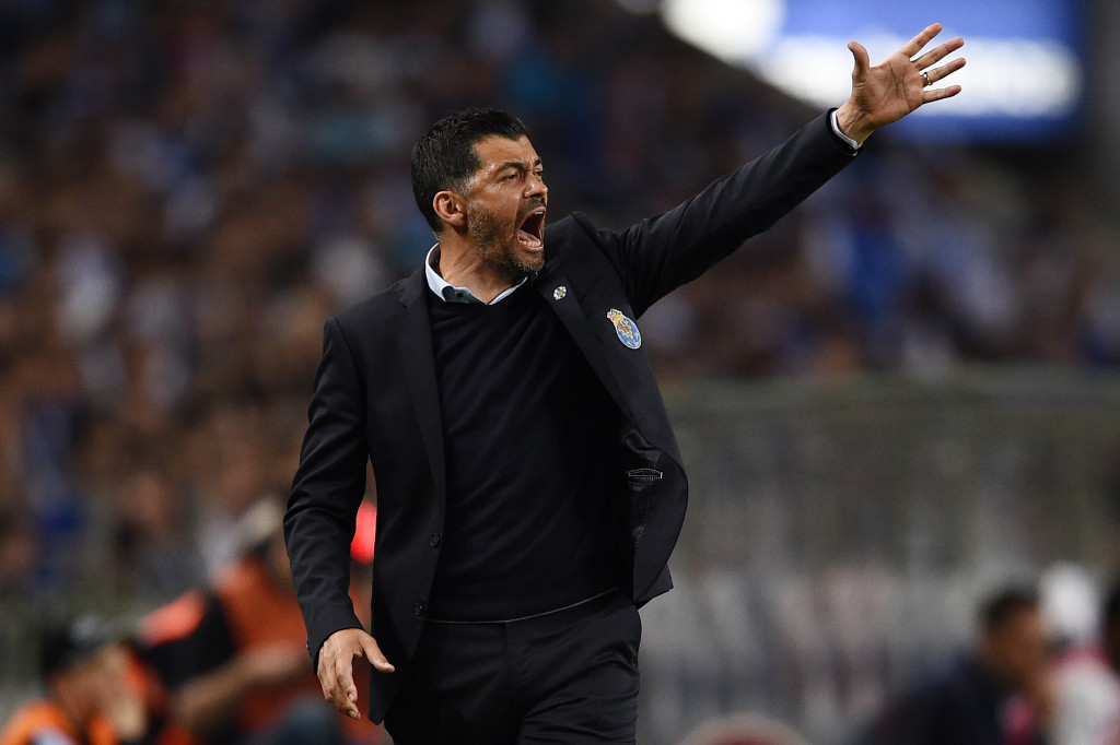 PORTO, PORTUGAL - MAY 06: Head coach Sergio Conceicao of FC Porto reacts during the Primeira Liga match between FC Porto and Feirense at Estadio do Dragao on May 6, 2018 in Porto, Portugal. (Photo by Octavio Passos/Getty Images)