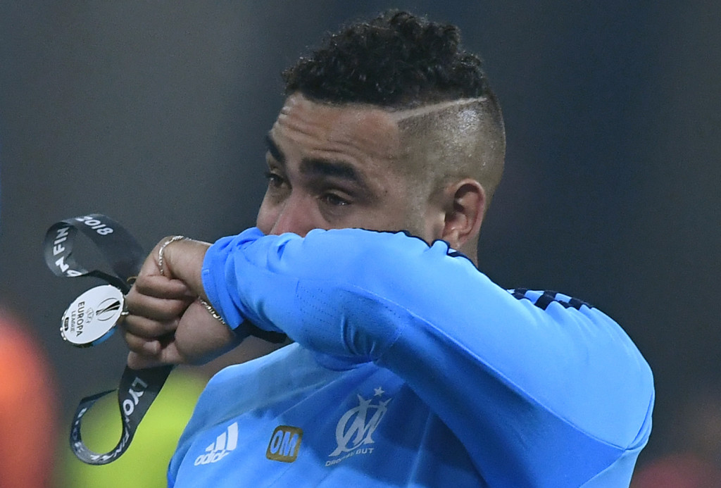 TOPSHOT - Marseille's French forward Dimitri Payet reacts after being defeated by Atletico at the end of the UEFA Europa League final football match between Olympique de Marseille and Club Atletico de Madrid at the Parc OL stadium in Decines-Charpieu, near Lyon on May 16, 2018. (Photo by Boris HORVAT / AFP) (Photo credit should read BORIS HORVAT/AFP/Getty Images)