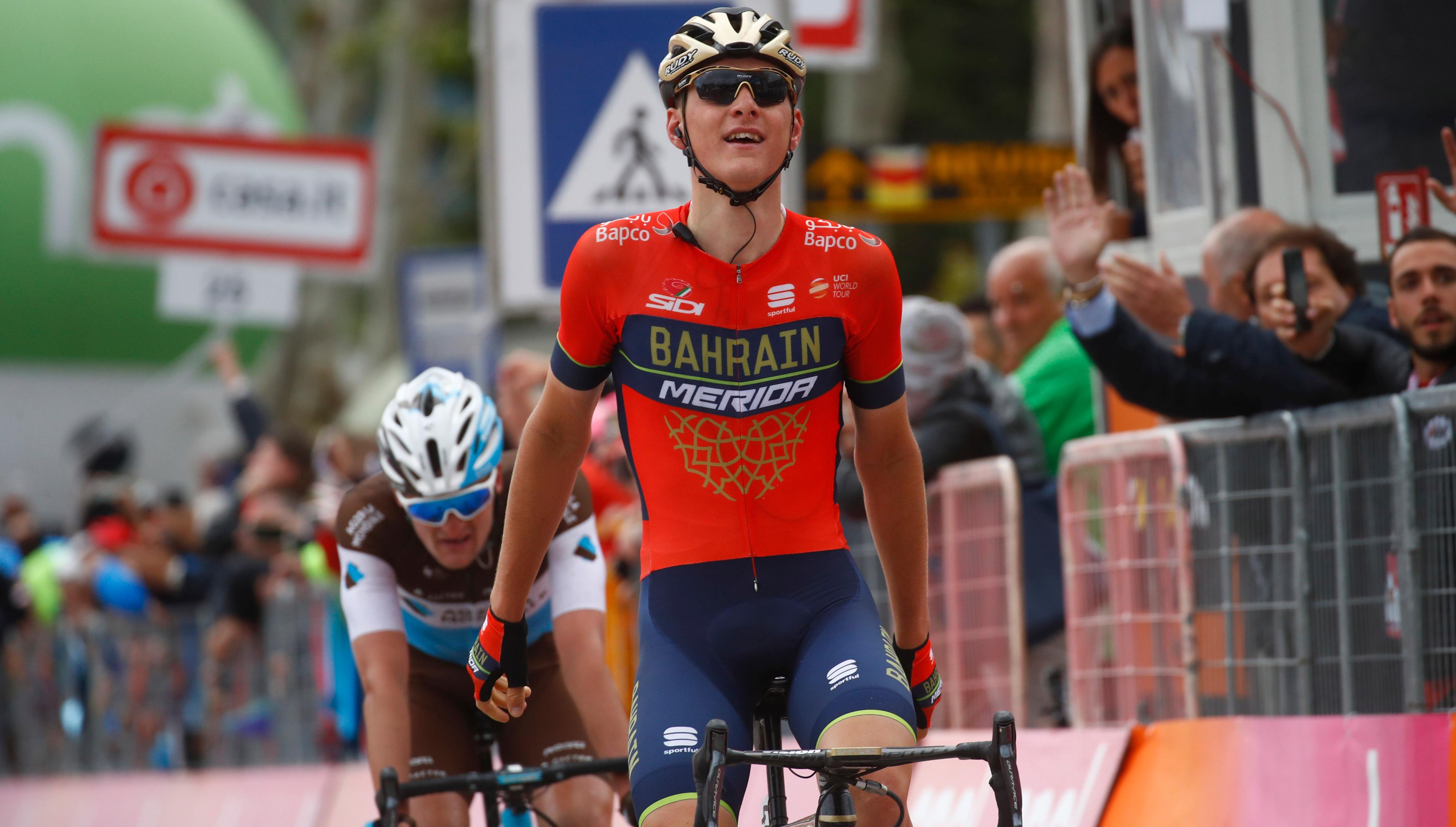 Matej Mohoric wins Stage 10, Simon Yates extends lead