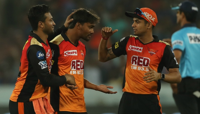 Desperate Delhi take on high-flying Hyderabad