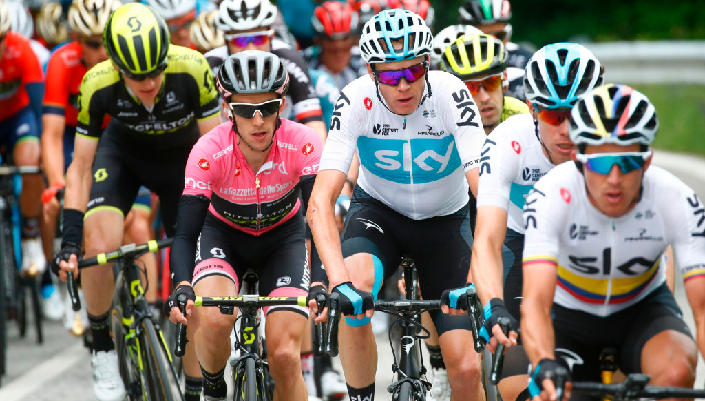 Giro leader Simon Yates (pink jersey) alongside Sky's Chris Froome.