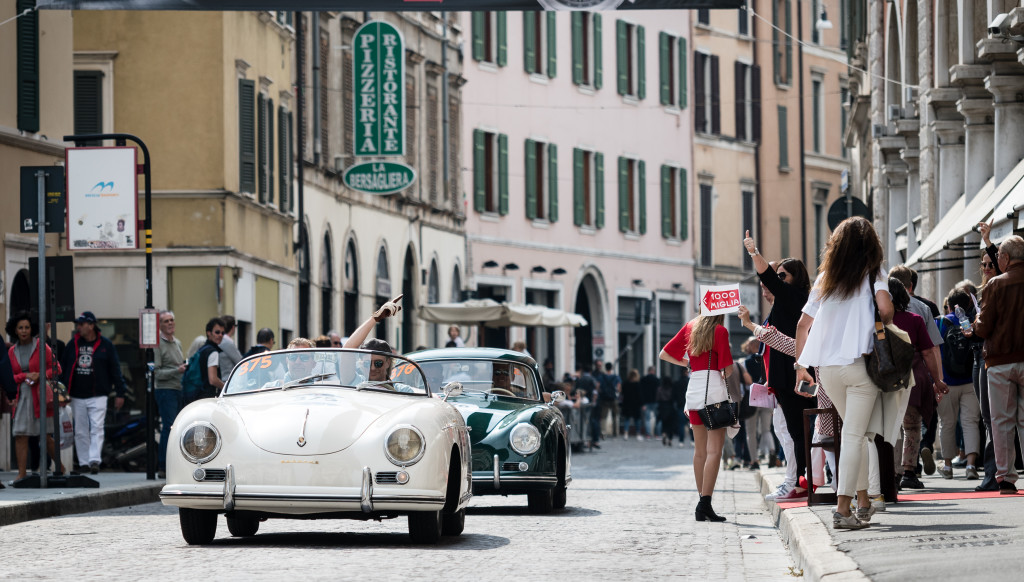 Classics: Cars driving through Brescia