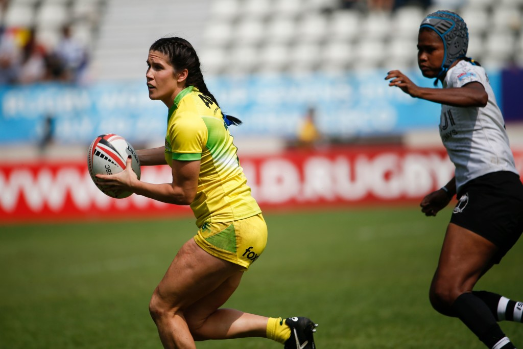 Charlotte Caslick in action against Fiji