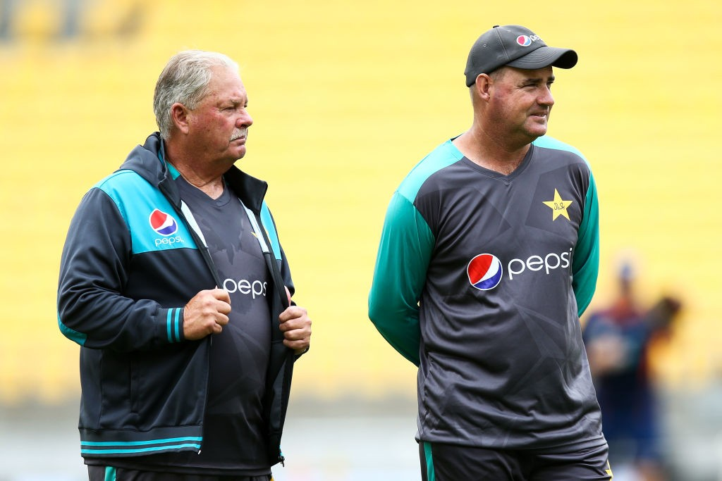 Nixon (L) chose not to extend his contract with Pakistan.