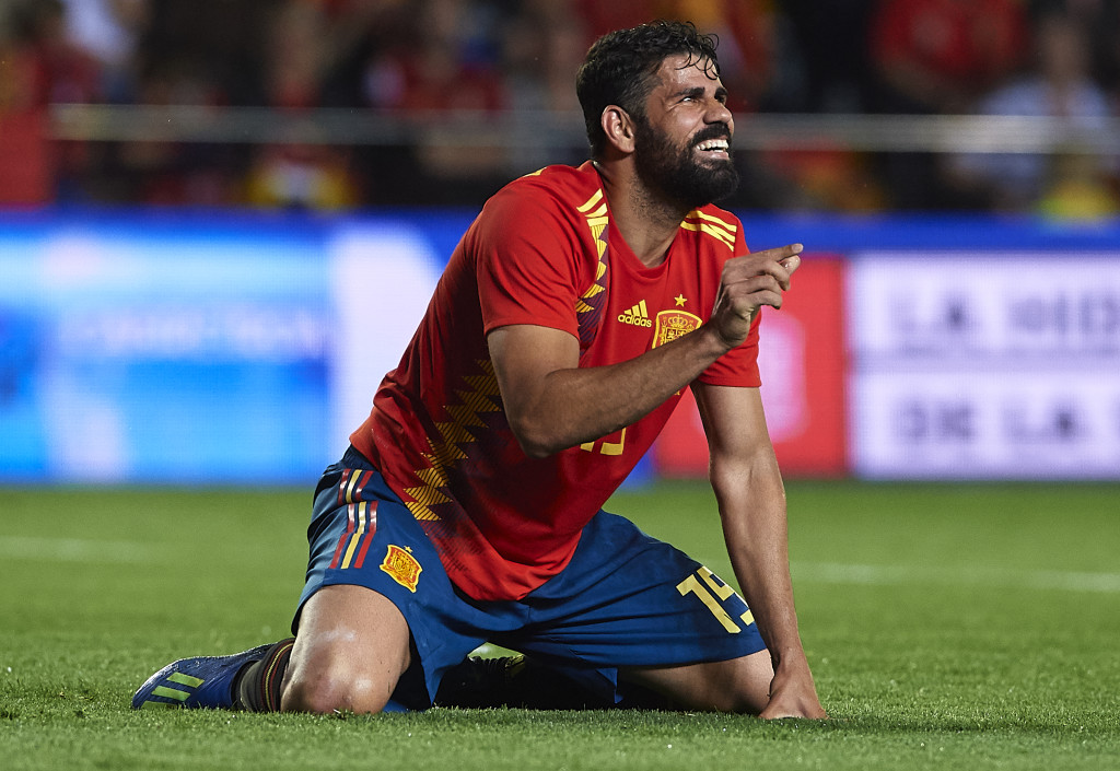 VILLAREAL, SPAIN - JUNE 03:  Diego Costa of Spain reacts on the pitch during the International Friendly match between Spain and Switzerland at Estadio de La Ceramica on June 3, 2018 in Villareal, Spain.  (Photo by Manuel Queimadelos Alonso/Getty Images)