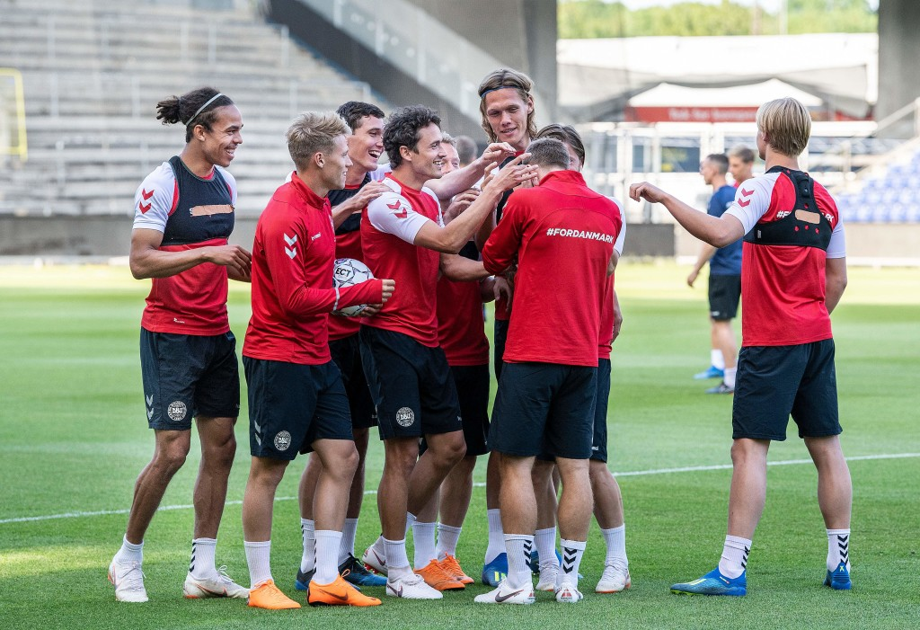 Danish players (L-R) Yussuf Poulsen,Viktor Fischer, Andreas Christensen, Thomas Delaney, Michael Krohn-Dehli, Jannik Vestergaard, Christian Eriksen and Kasper Dolberg attend a training session of the Danish national football team at Broendby Stadium in Brondby, Denmark on June 8, 2018, on the eve of the international friendly football match between Denmark and Mexico. (Photo by Anders Kjaerbye / Ritzau Scanpix / AFP) / Denmark OUT (Photo credit should read ANDERS KJAERBYE/AFP/Getty Images)