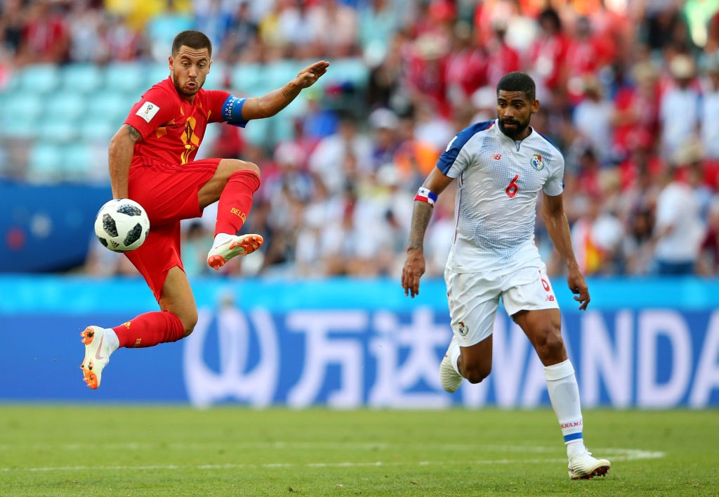 Gabriel Gomez (r) kept a close eye on Belgium's attackers.