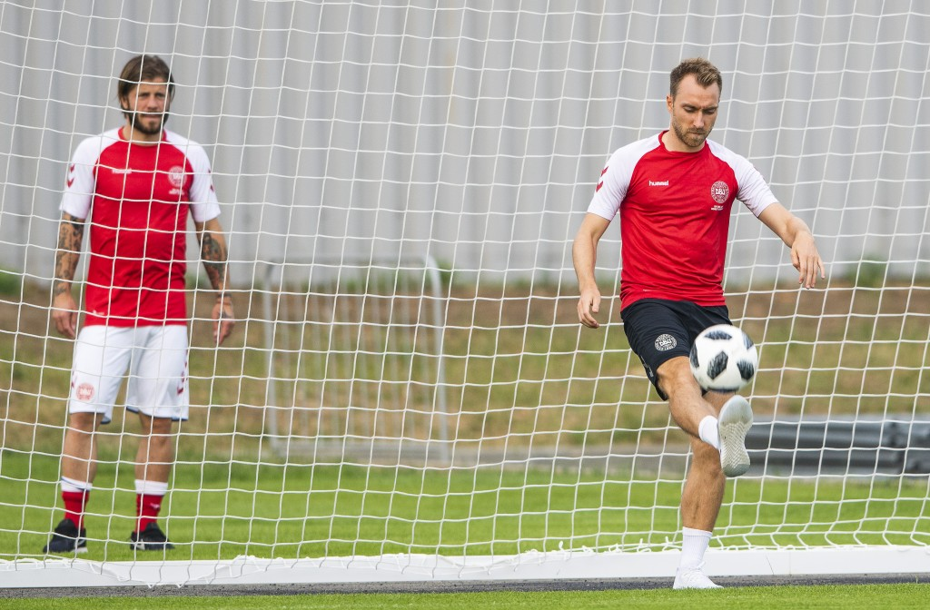 Denmark's midfielder Christian Eriksen (R) attends a training session in Vityazevo on June 22, 2018, during the Russia 2018 World Cup football tournament. (Photo by Jonathan NACKSTRAND / AFP) (Photo credit should read JONATHAN NACKSTRAND/AFP/Getty Images)