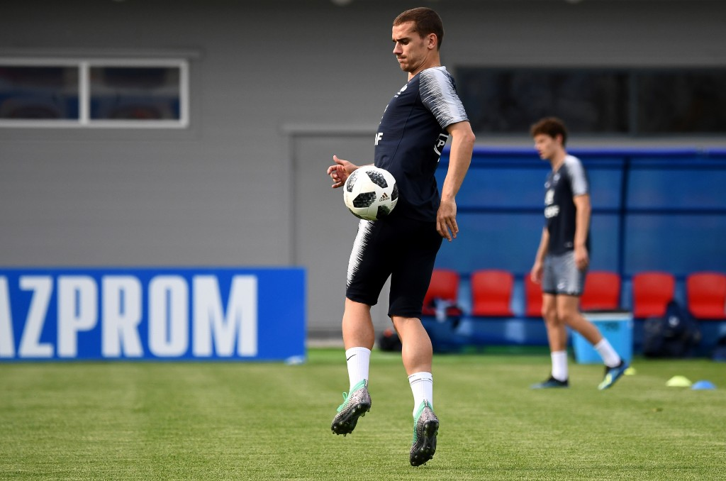 France's forward Antoine Griezmann controls the ball during a training session at the Glebovets stadium in Istra, on June 23, 2018, during the Russia 2018 World Cup football tournament. (Photo by FRANCK FIFE / AFP) (Photo credit should read FRANCK FIFE/AFP/Getty Images)