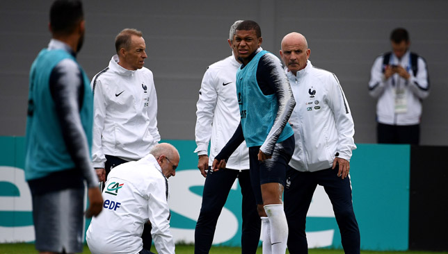 Mbappe injured after a collision with Rami in training