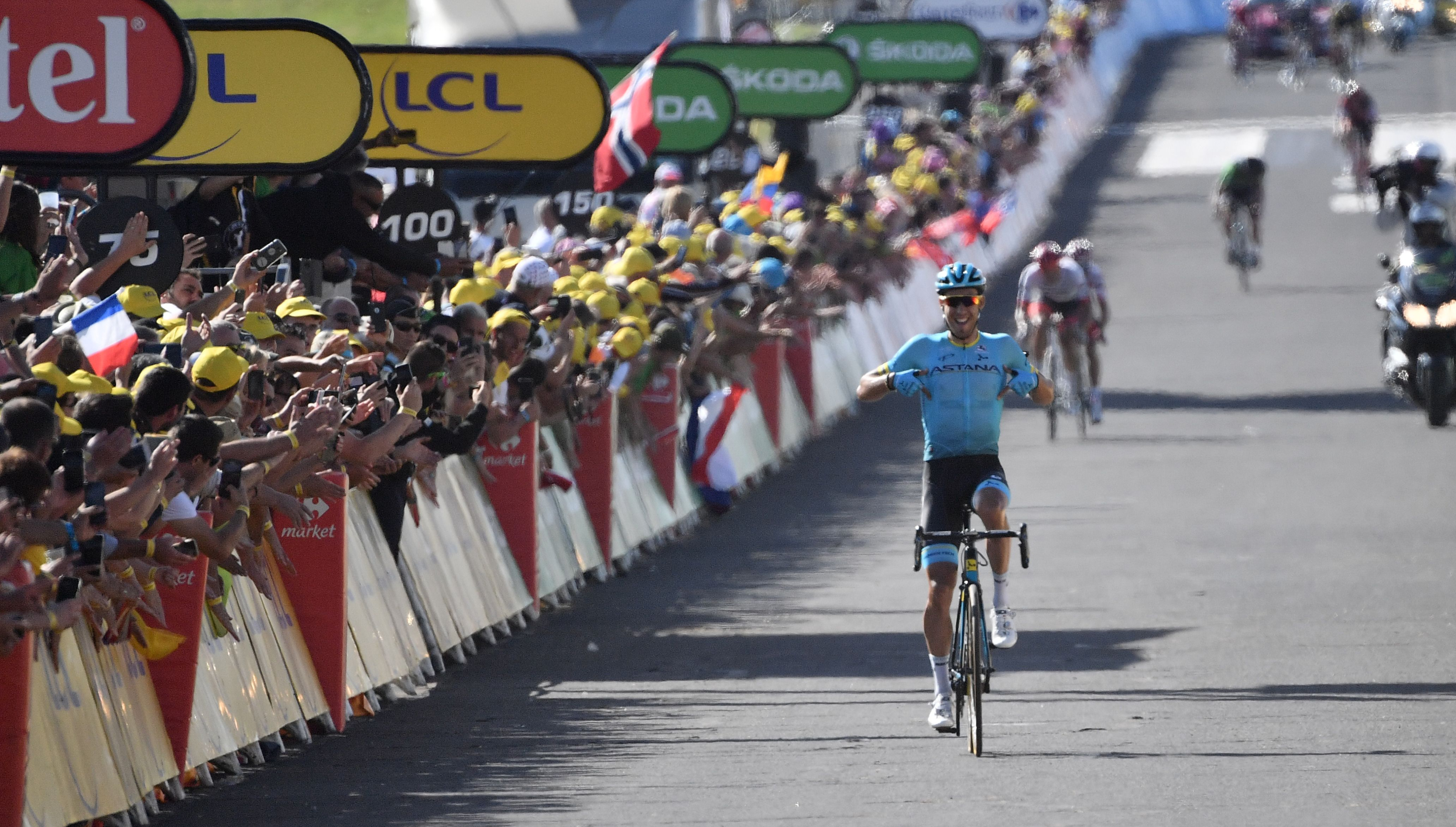 Omar Fraile claims Stage 14 victory as Team Sky s Geraint Thomas retains  yellow jersey at Tour de France df53b7907