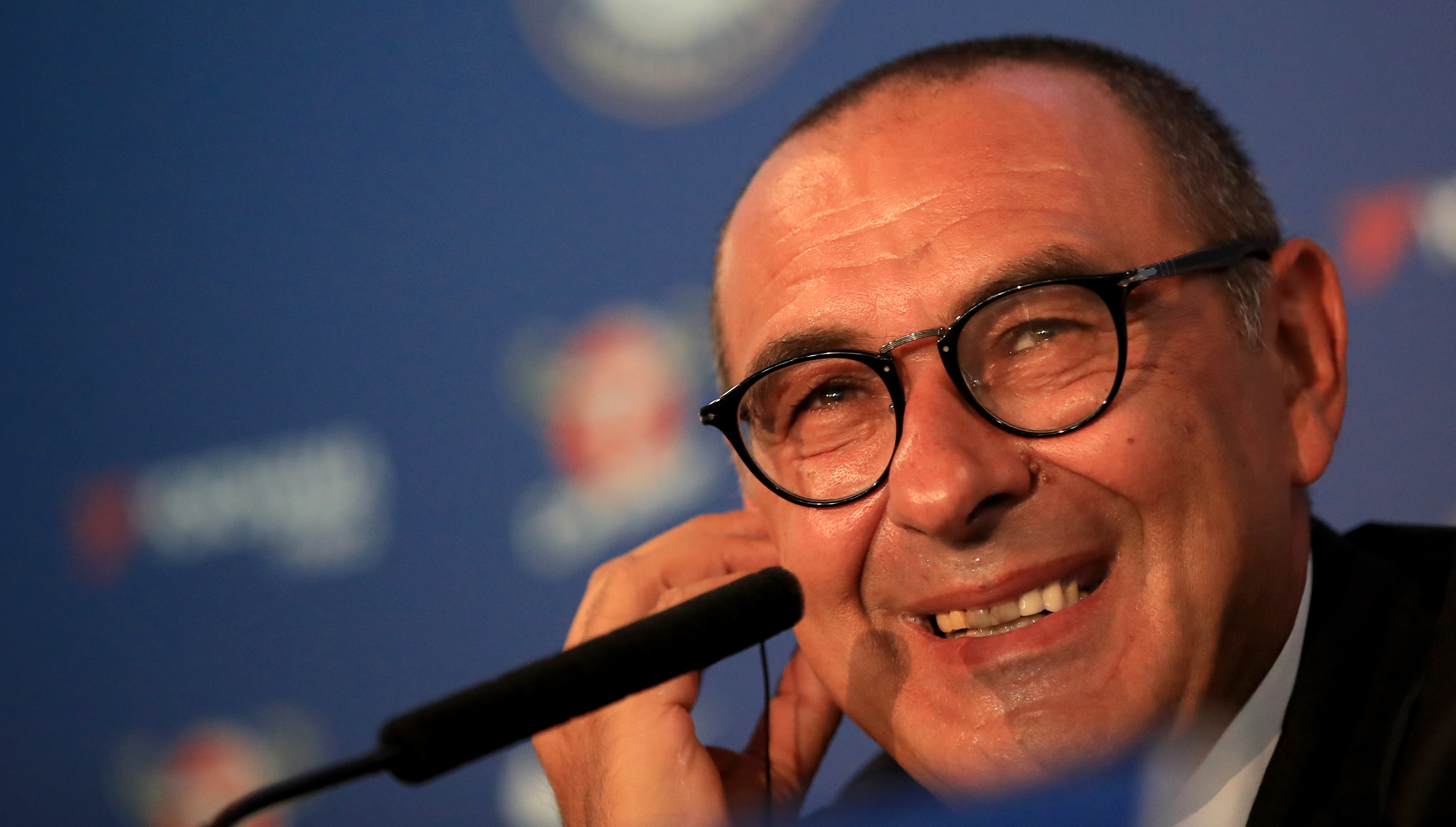 I want to keep Hazard, says Sarri