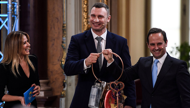 Mayor of Kiev Vitali Klitschko (c).