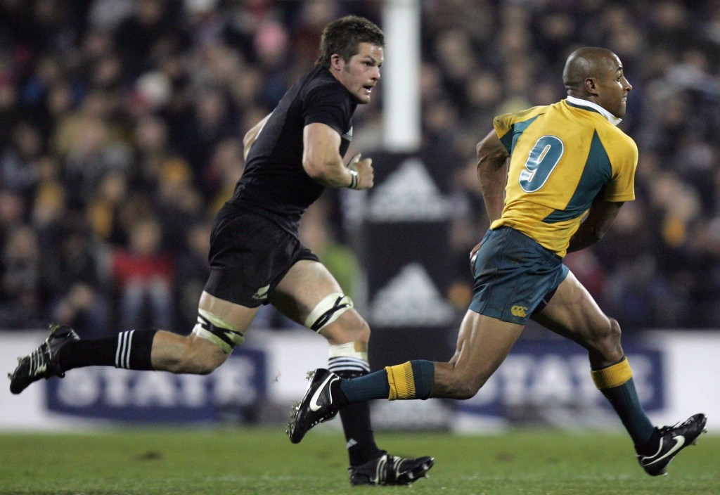 Bledisloe legends: George Gregan (r) chased by Richie McCaw